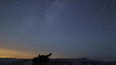 Observadores do céu terão uma surpresa este mês com Vênus e as Perseidas