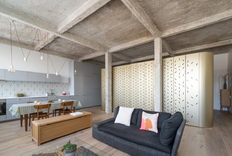 loft caratterizzato da un raffinato stile raw