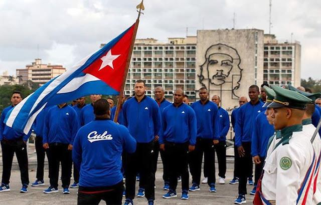Cuba participó y ganó varios torneos en los inicios del campeonato caribeño, pero todo cambió con la revolución cubana de Fidel Castro en 1959, que abolió el profesionalismo del deporte