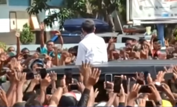 Hasil Rapid Test Antigen, Tak Ada Warga Positif Covid dalam Kerumunan Jokowi di NTT