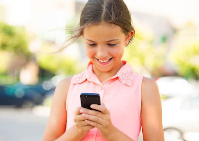 Hindarkan Gadget / Handphone / TV dari Anak Usia 2 Tahun