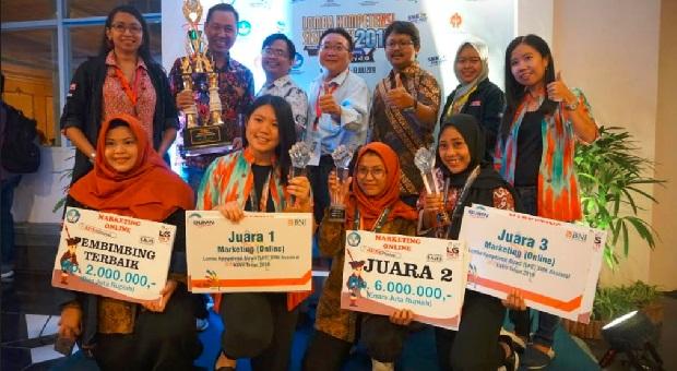"""Tiga """"Srikandi"""" SMK, Menangkan Kompetisi Nasional Marketing Online"""
