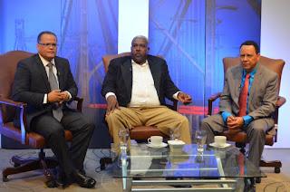 Regidores del PRM en SDE felicitan a periodistas en su día