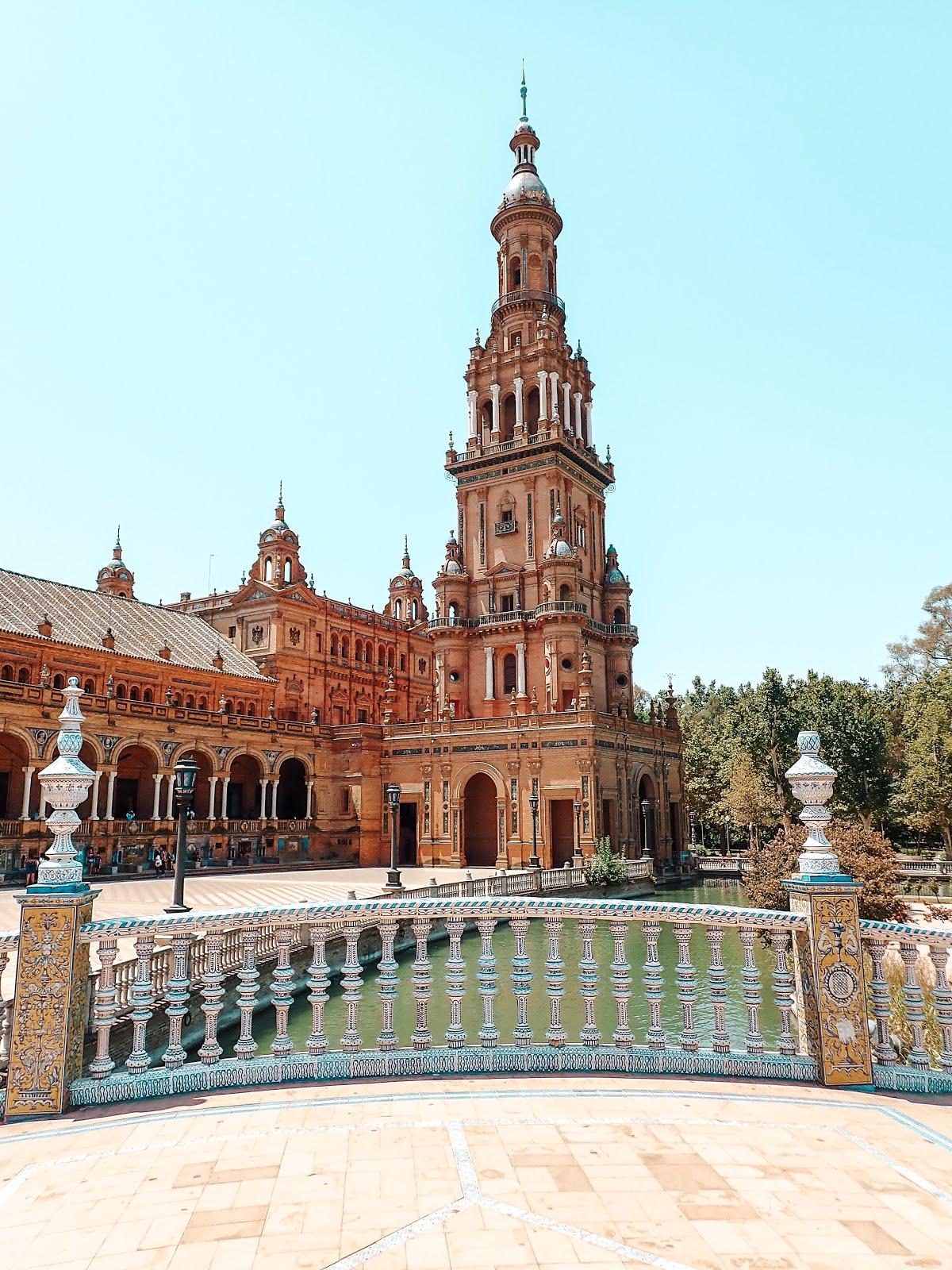 plaza-de-espana-seville-azulejos