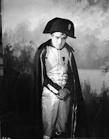 Чаплин в роли Наполеона - 3