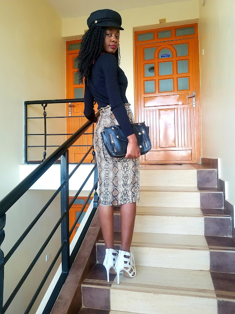 How To Wear A Snake Print Skirt In A Classy, Fun Way