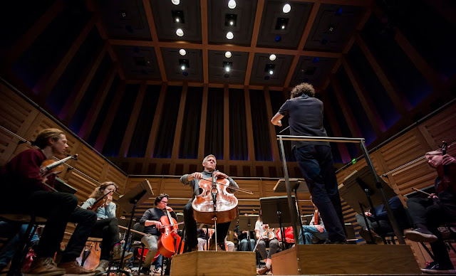 Alban Gerhardt, Nicholas Collon & Aurora Orchestra at Kings Place - photo Nick Rutter