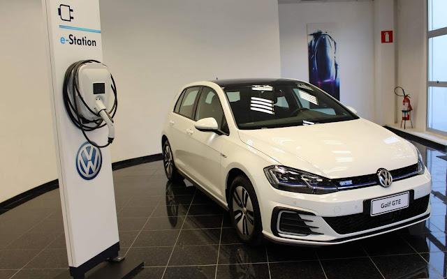 VW Golf GTE - estação de recarga elétrica