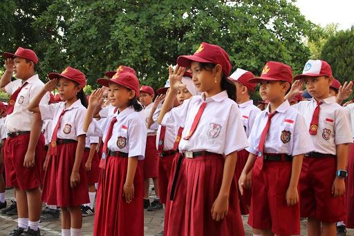 Siswa SD dan SMP Akan Kembali Bersekolah Pertengahan Agustus