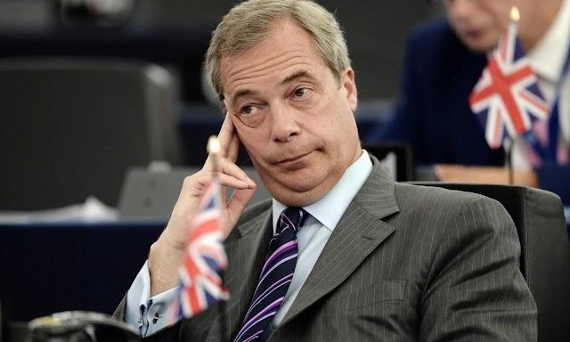 Nigel Farage lebuktatta a migránsokat: méregdrága hotelekben vannak elszállásolva