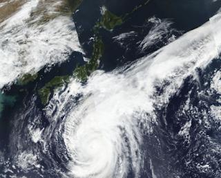 عاصفة هاجيبس الشنيعة تجتاح اليابان