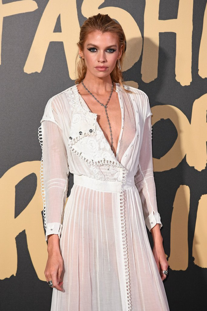 Stella Maxwell suffers wardrobe malfunction in a racy semi-sheer gown