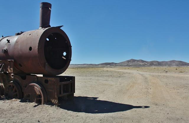 Cemitério de trens no Salar de Uyuni, na Bolívia