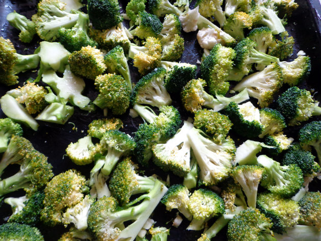 Oven roasted broccoli with Parmesan by Laka kuharica:  spread in one layer