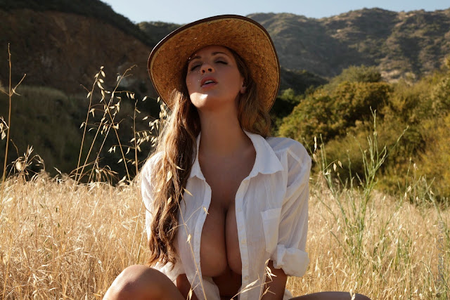 Jordan-Carver-little-farmer-hot-and-sexy-hd-images-from-photoshoot_33