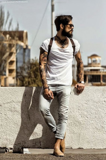 look masculino com camiseta branca