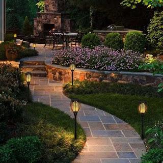 Pada kesempatan kali ini aku akan membahas ihwal artikel  Desain Lampu Taman Yang Minimalis