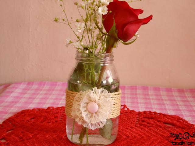 Florero DIY reciclando un frasco de vidrio