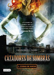 """Reseña: """"Cazadores de Sombras 1: Ciudad de Hueso"""" - Cassandra Clare"""