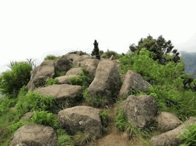 Situs Pucak Sanga Likur Gunung Muria