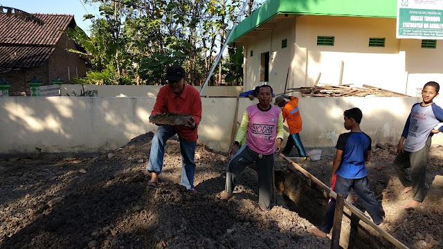 Peletakan Batu Pertama Pembangunan Asrama Santri