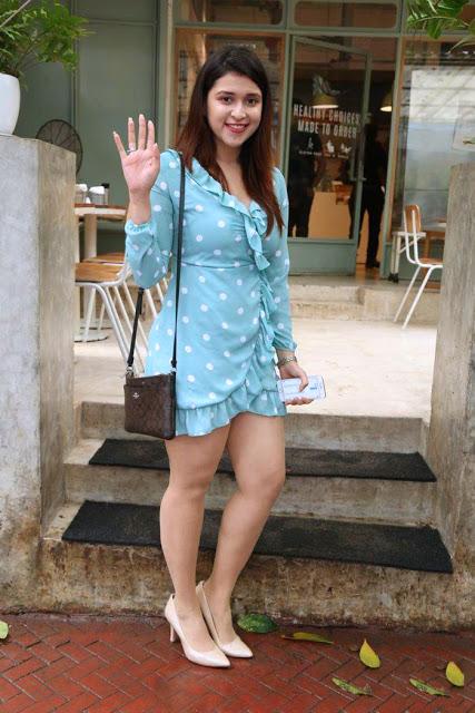 hot thighs, mannara chopra hot images, mannara chopra hot legs