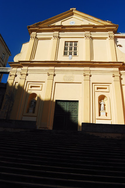 Façade de l'église Saint-Charles Borromée Bastia