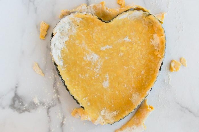 trim tart dough heart-shaped pan