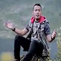 Lirik dan Terjemahan Lagu Andra Respati - Buyuang Nak Kawin
