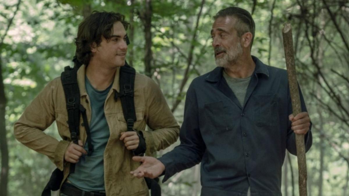 Negan y Brandon, en el episodio 10x05 de The Walking Dead