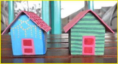 Miniatur rumah dari kardus yang sudah jadi