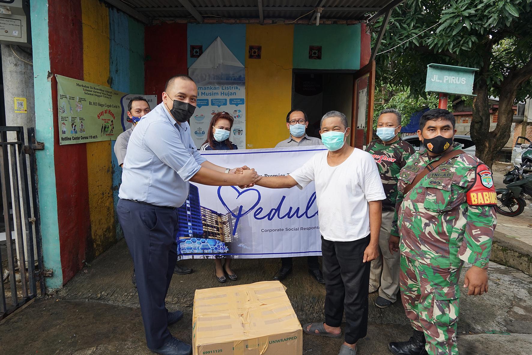Best Western Premier The Hive Peduli : CSR Korban Banjir di Kampung Pulo