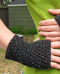 http://translate.googleusercontent.com/translate_c?depth=1&hl=es&rurl=translate.google.es&sl=en&tl=es&u=http://speckless.wordpress.com/2011/10/09/peasy-gloves-crochet-pattern/&usg=ALkJrhi_MS0fyS3XXil8TKhj8NyNelAWVg