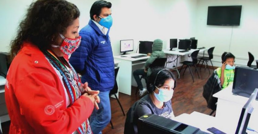 MINEDU: Con Aprendo en Comunidad niños estudian en parques y losas deportivas de Lima