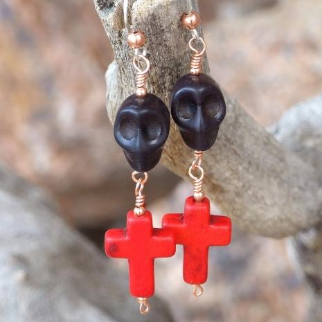 halloween goth skull earrings