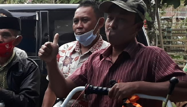 Proposal Ditolak Sejak Tahun 2015, Kini Saiful bersama 26 Anggotanya Terima Bantuan Mesin Traktor