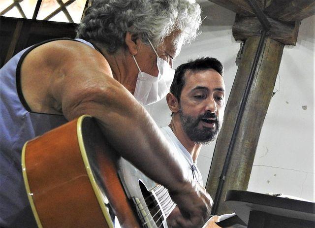 Divisão de Cultura da Ilha anuncia que ainda há vagas para a oficina de violão com o músico Marcos Machado
