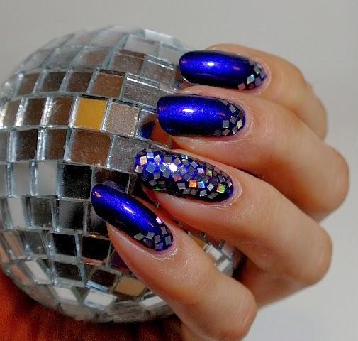 Pitkät Kynnet: Discopallo kynnet