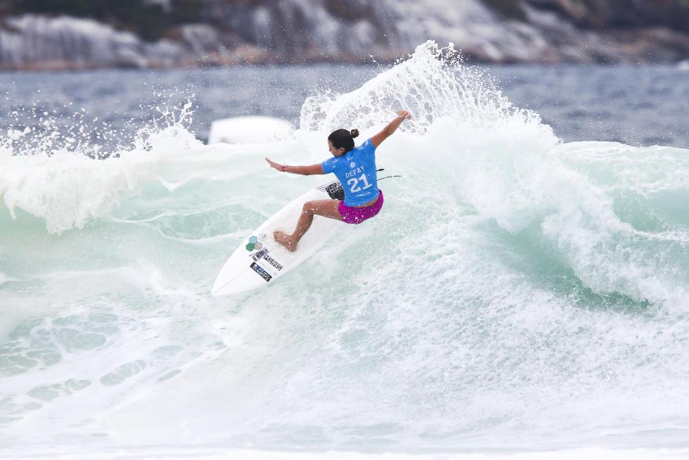 24 Johanne Defay Oi Rio Pro Foto WSL Kelly Cestari