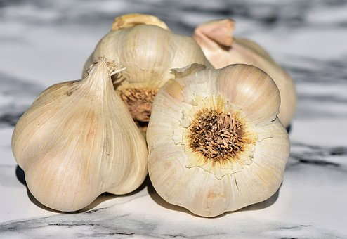 The Benefits Of Eating Raw Garlic Daily - Inemac