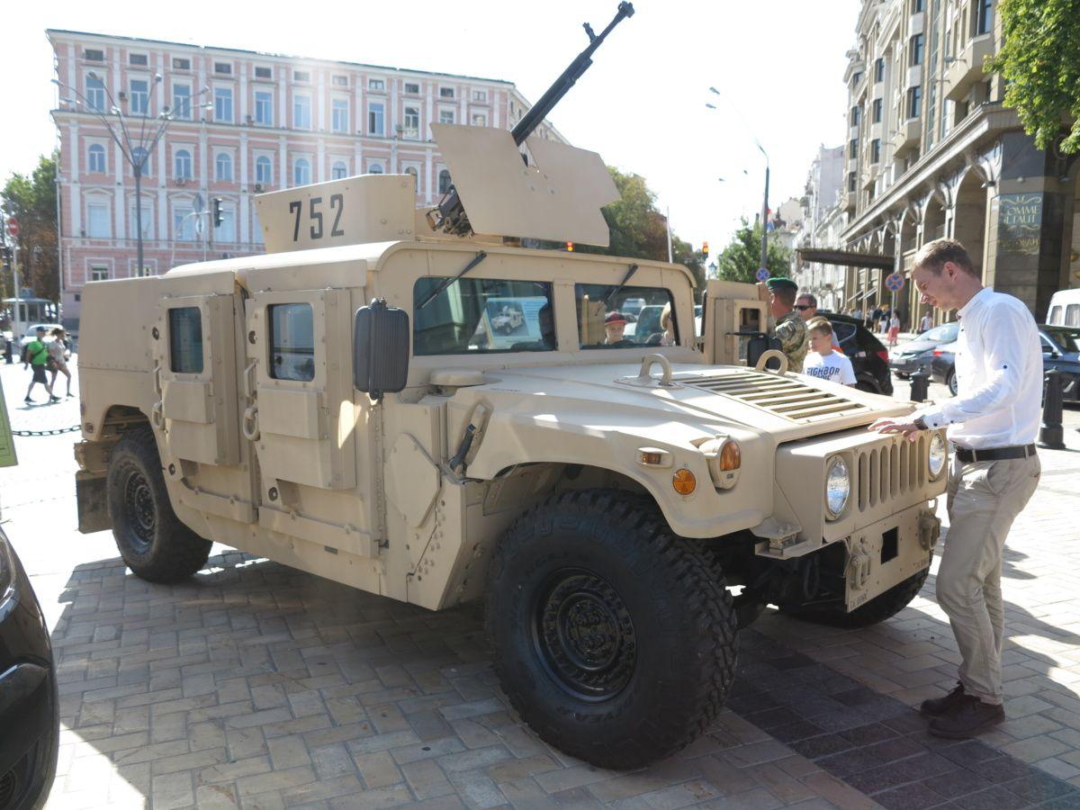 HMMWV M1116