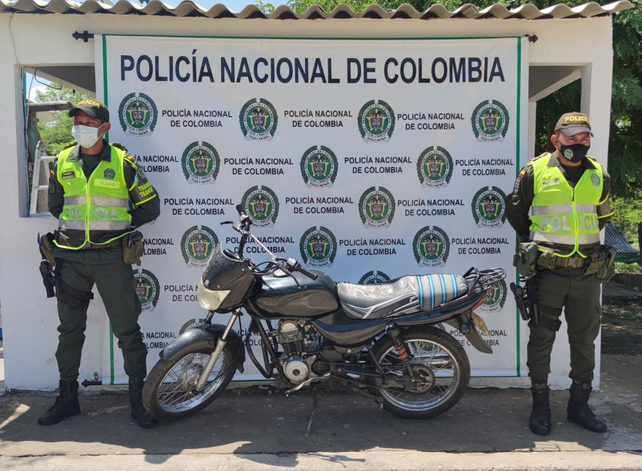 hoyennoticia.com, En carreteras de La Guajira recuperan dos motos robadas
