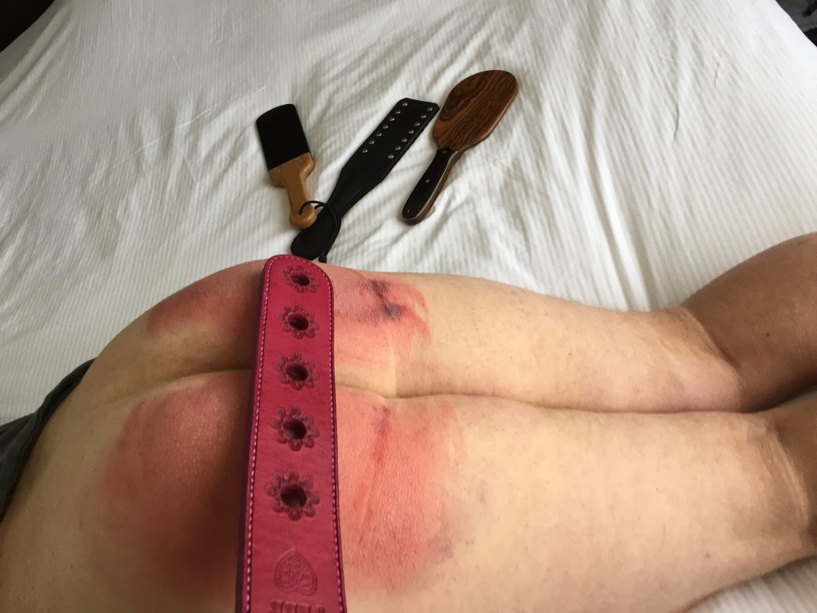 spank-your-bottom-so-hard