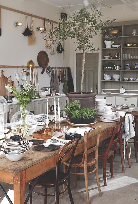Die Wohngalerie The Kitchen In Stockholm Gemutliche Wohnkuche Als