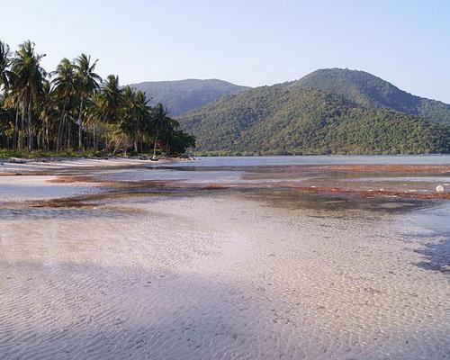 Tinuku.com Travel Karimunjawa National Park beautiful white sandy islands in Java Sea for diving, snorkeling and camping