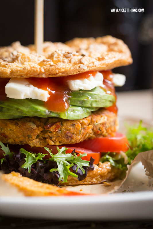 Gesunde Burger mit veganen Patties