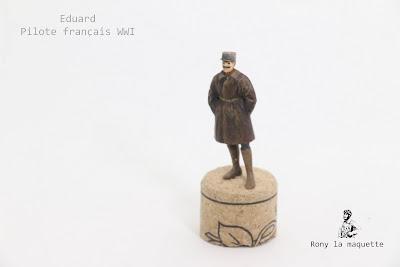 Figurine Eduard d'un pilote français  WWI au 1/48.