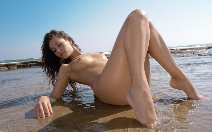 Rasiga: College & Student Sexy and independent Call Girls Delhi