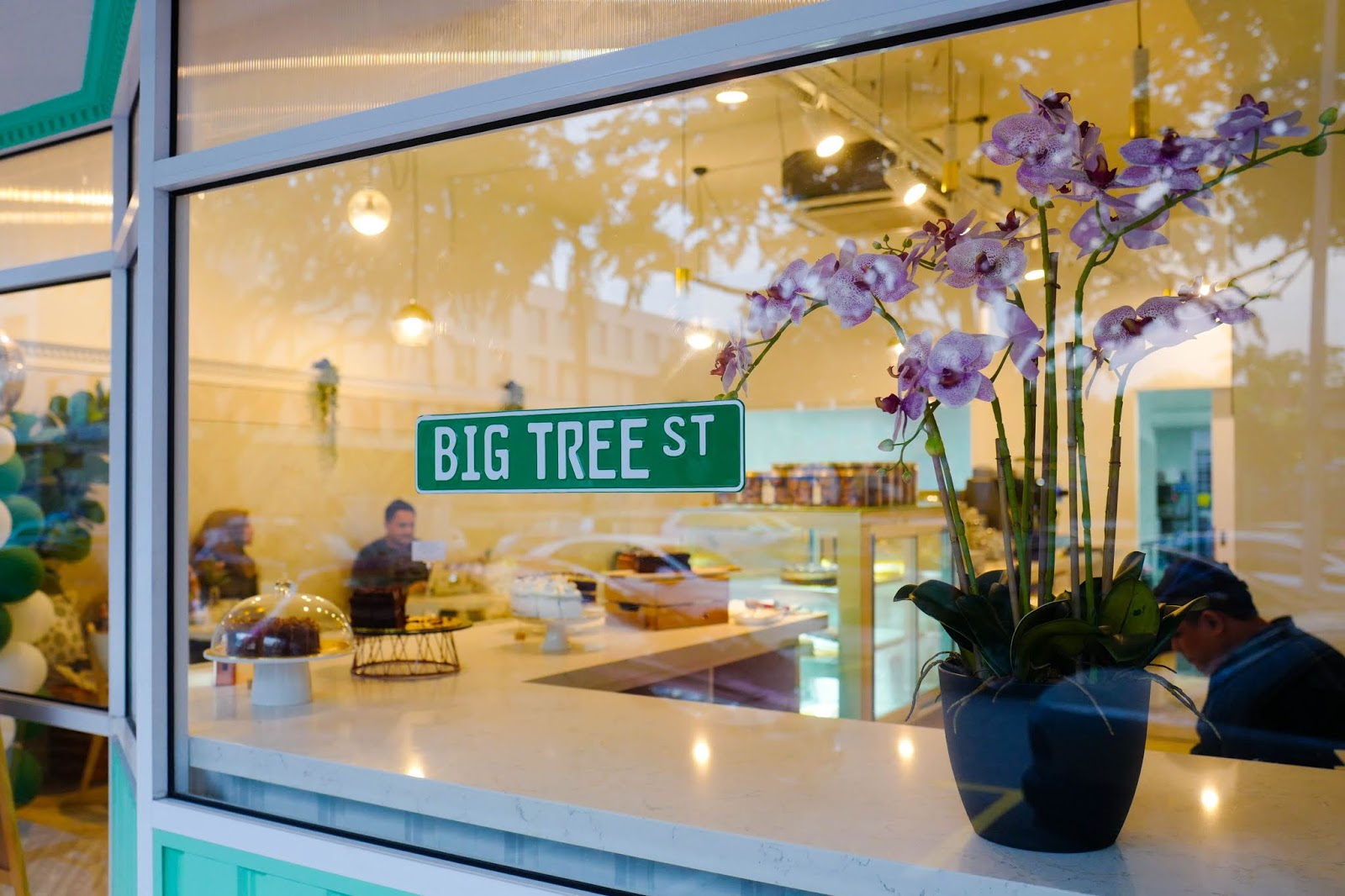 big tree bakery, taman tun dr ismail