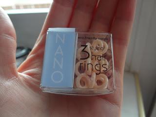 Die invisibobble® NANO Haargummis sollen nahezu unsichtbar in jeder  Haarpracht verschwinden. Gerade mit den kleinen Ringen lassen sich nicht  nur problemlos ... e21693c95cd